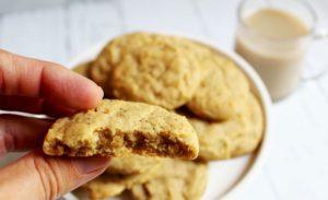 closeup of chai spiced honey cookie 1