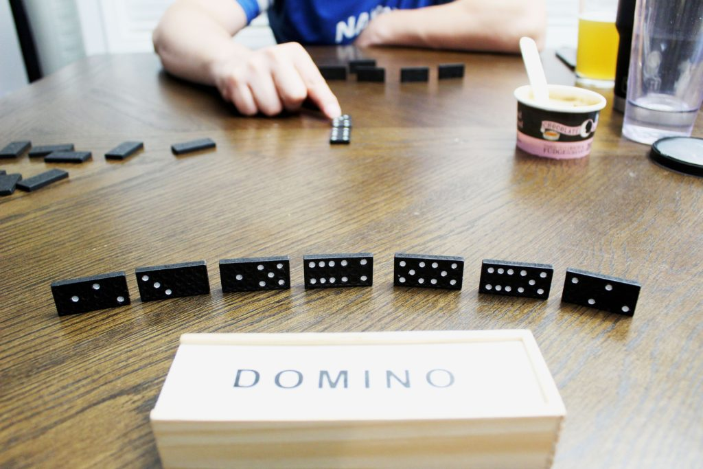 dominoes date night in june