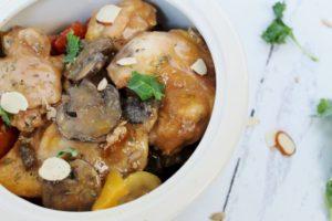 slow cooker chicken with balsamic mustard sauce closeup 1
