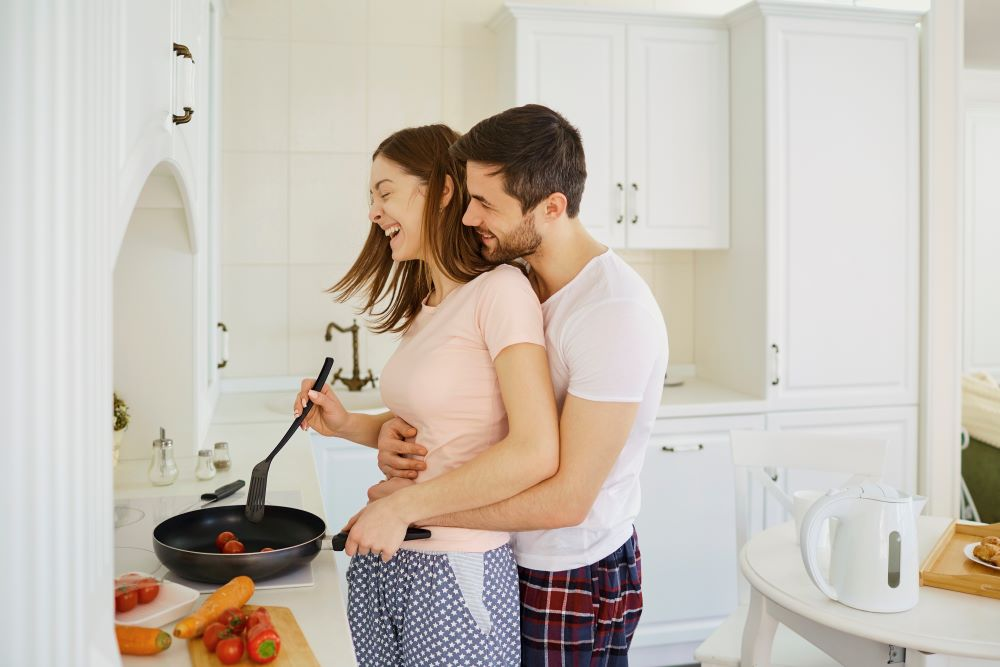 cooking date in kitchen gift idea