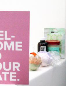 date box reveal bath date night